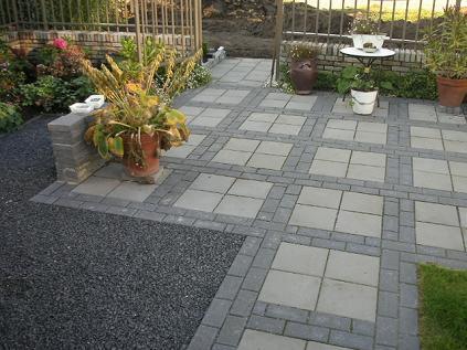 Kosten Tuin Bestraten : Hout beton schutting tuin laten bestraten kosten
